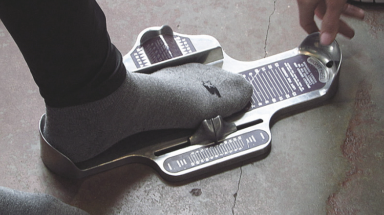 Foot measuring tool